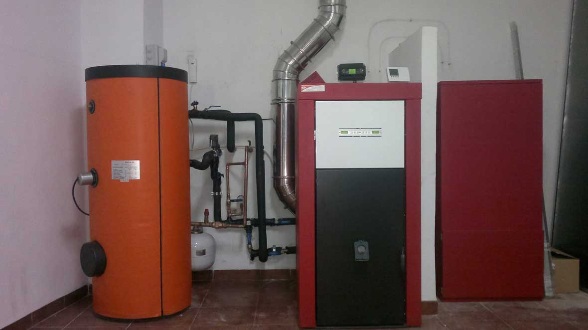 Caldera edilkamin y acumulador de acs energ a solar - Precios de calderas de gasoil ...